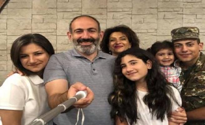Koronavirüse yakalanan Ermenistan Başbakanı Paşinyan ailesine de bulaştırdı