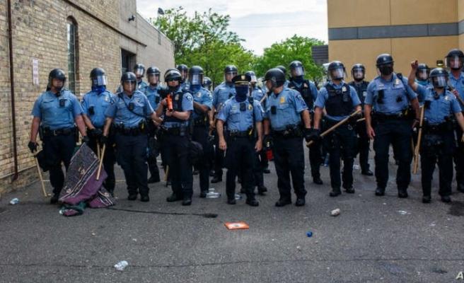 Minneapolis'te Floyd depremi! Polis departmanı kapatıldı