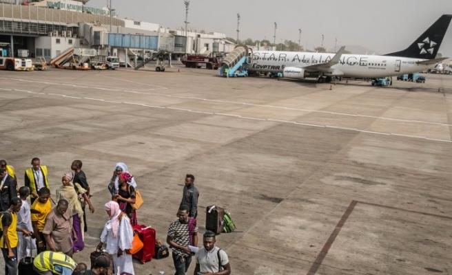 Sudan'da uluslararası uçuş yasağının süresi uzatıldı
