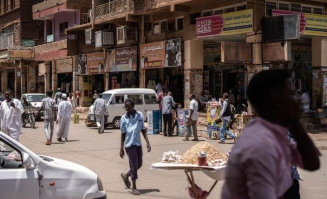 Sudan'ın başkenti Hartum'da kısmi sokağa çıkma yasağı bir hafta uzatıldı