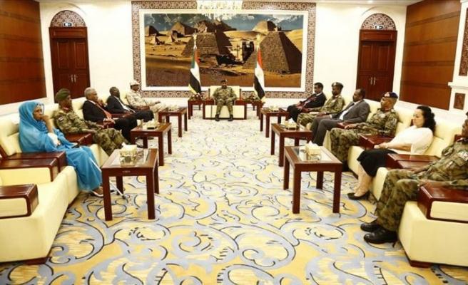 Sudan'da, Meslek Odaları Birliğinden hükümete sivil yapının tamamlanması için çağrı