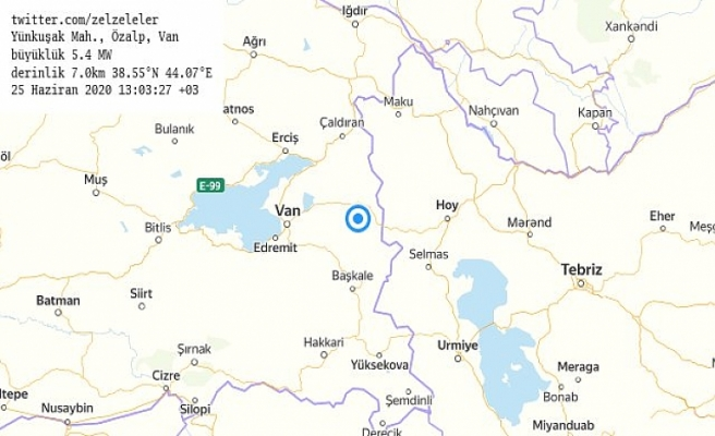 Van'ın Özalp ilçesinde 5,4 büyüklüğünde deprem yaşandı..İlk belirlemelere göre ölü ve yaralı yok