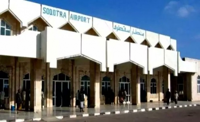 Yemenliler Sokotra'daki BAE destekli silahlı oluşumları protesto etti
