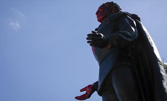 ABD'nin Chicago kentinde Kristof Kolomb'un iki heykeli kaldırıldı