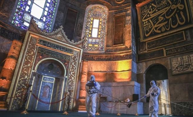 Ayasofya-i Kebir Cami-i Şerifi'nde Kurban Bayramı temizliği