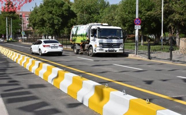 Diyarbakır Valiliği önündeki cadde dört yıl sonra tek yönlü trafiğe açıldı