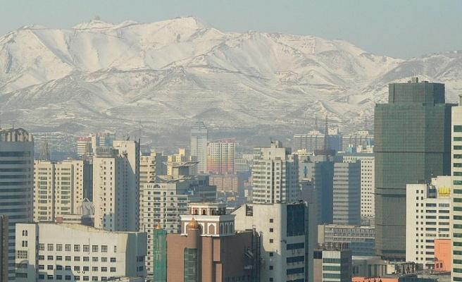 Doğu Türkistan'ın başkentinden uçuşlar sınırlandırıldı