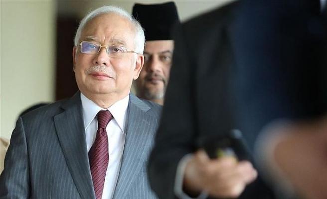 Eski Malezya Başbakanı Necip Rezak yolsuzluk davasında suçlu bulundu