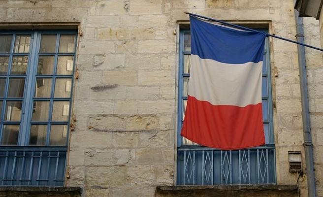 Fransa'nın Lille kentinde duruşmalarda başörtüsü yasağı getirildi