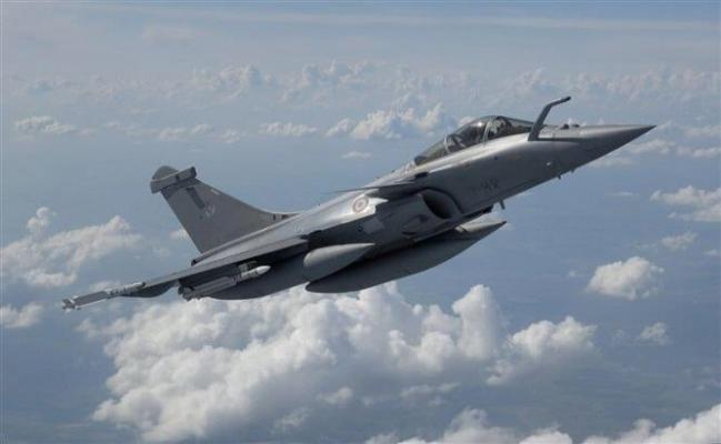 Hindistan, Fransız uçaklarının ilk 5'ini teslim aldı