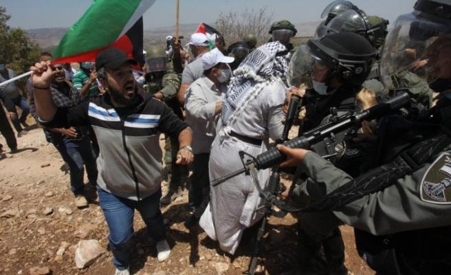 İşgalci İsrail güçleri Şeria'nın batısında 2 Filistinliyi yaraladı