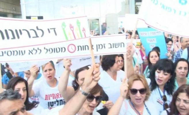İsrail'de hemşireler greve gitti