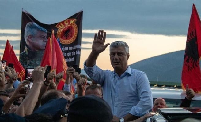 Kosova Cumhurbaşkanı Thaçi'ye Lahey'deki sorgusunun ardından ülkesinde coşkulu karşılama
