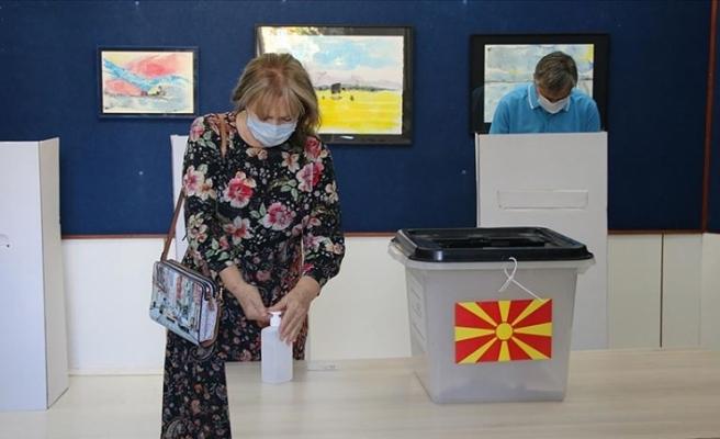 Kuzey Makedonya'da erken genel seçim için oy kullanma işlemi sona erdi
