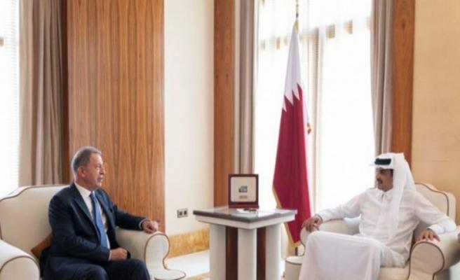 Milli Savunma Bakanı Hulusi Akar Katar'a gitti