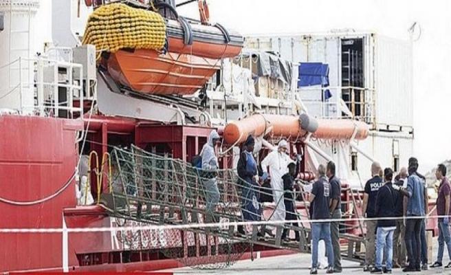 Ocean Viking'de mahsur kalan 180 mülteciye iniş izni çıktı