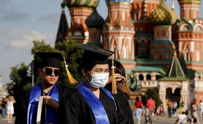 Rusya'da Kovid-19 vaka sayısı 840 bine yaklaştı