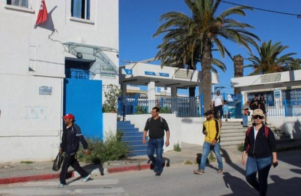 Tunus'ta mevcut siyasi hareketlilik ve krizden çıkış yolu tartışılıyor