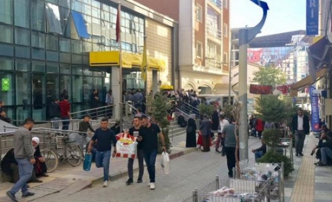 Van'da gösteri ve yürüyüşler geçici süreyle yasaklandı