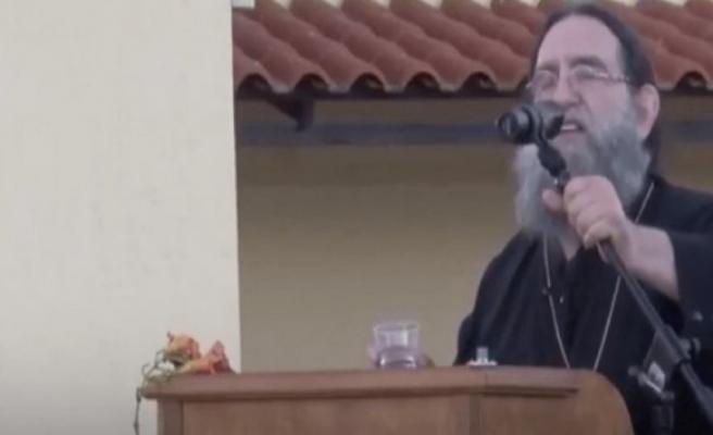 Yunan Papaz'dan Ayasofya'nın cami olmasına övgü