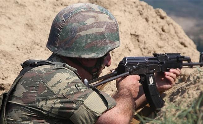 Azerbaycan askerleri Ermenistan ordusunun keşif timinin komutanını esir aldı