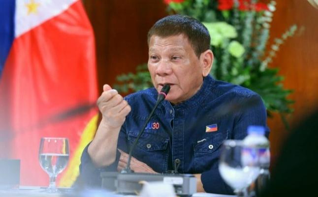 Duterte: Çin'in silahı var, bizim yok