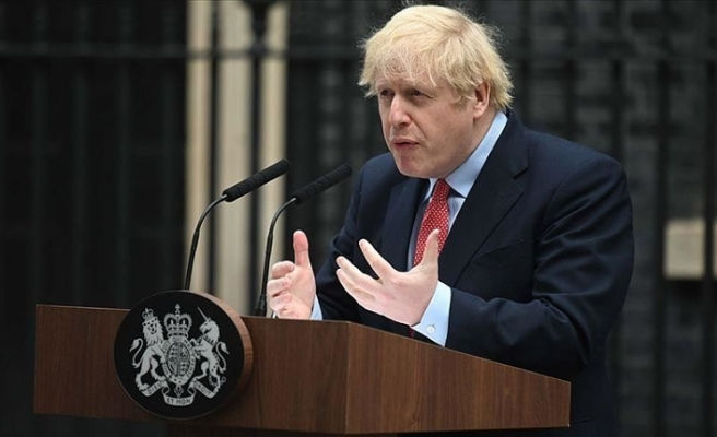İngiltere Başbakanı Johnson, Kovid-19 önlemlerini gevşetme kararının ertelendiğini açıkladı
