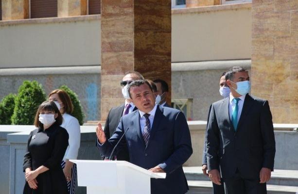 Kuzey Makedonya'daki yeni kabinede Türk isim olmaması tepki çekti