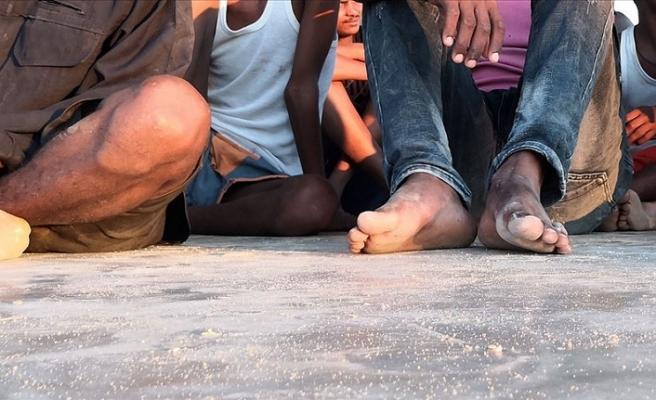 Libya'da Akdeniz üzerinden Avrupa'ya geçme hazırlığındaki 55 düzensiz göçmen yakalandı