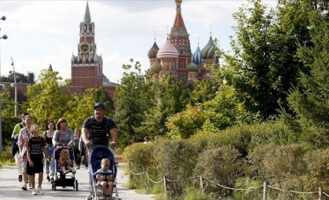 Rusya'da Kovid-19 vaka sayısı 990 bini geçti