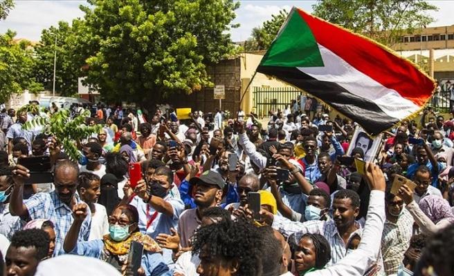 Sudan'da dini konulardaki reformlar yeniden protesto edildi