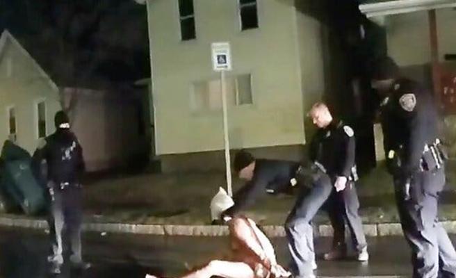 ABD'de siyahi Amerikalı Prude'yi tutuklarken boğan polisler açığa alındı