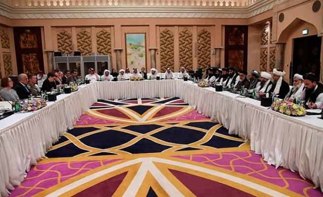 Afganistan hükümeti ile Taliban arasında barış görüşmeleri başladı