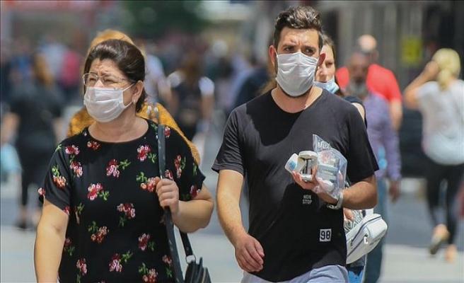 Bu gece saat 00.00'dan itibaren ülke geneline tüm alanlarda maske zorunlu oldu