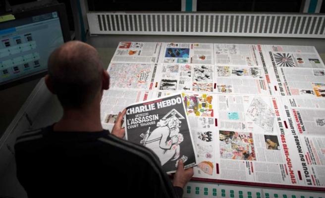 Charlie Hebdo, Hz. Muhammed (sav) karikatürlerini yeniden yayımlıyor
