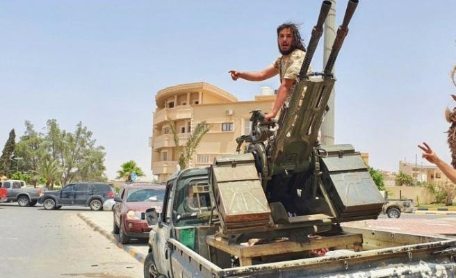 Hafter milislerinin Libya'da Petrol Hilali bölgesine sevkiyatları sürüyor