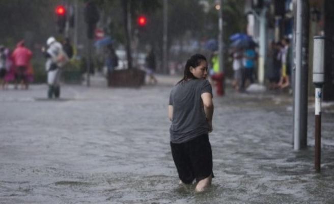 Haişen tayfunu Güney Kore'nin Ulsan kentini vurmaya başladı