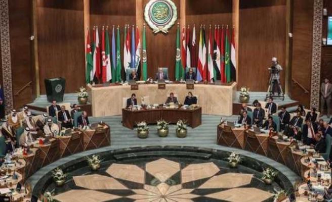 İsrail'le normalleşmeyi kınayamayan Arap Birliği çöküşünü ilan etti