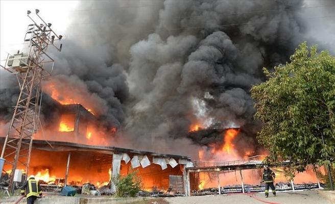 Tokat'ta bir AVM'de yangın çıktı