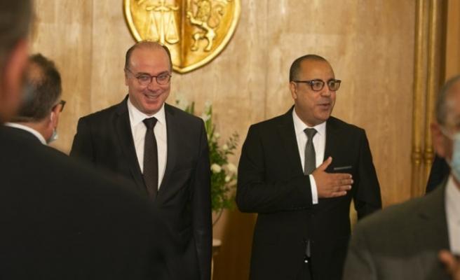 Tunus'ta Başbakan Meşişi, görevi devraldı