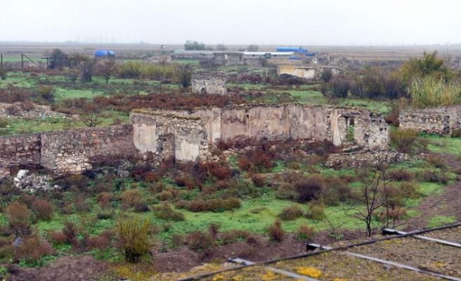 100 yılın savaşı ve Azerbaycan - Ermenistan