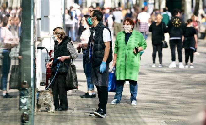 Çekya'da açık alanlarda maske zorunluluğu