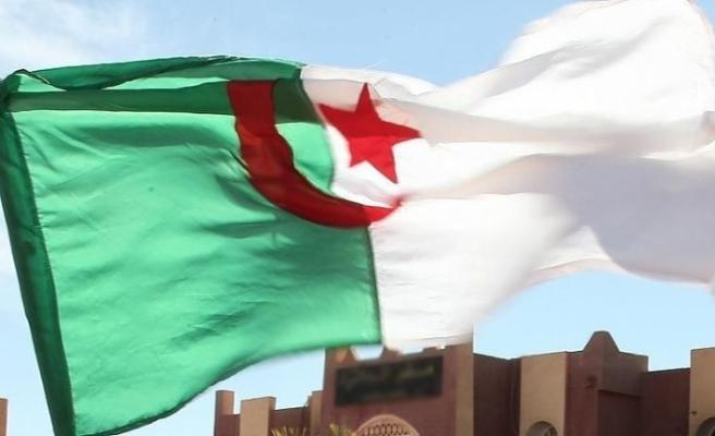 Cezayir'den Fransa'nın kirli çamaşırlarını ortaya dökecek hamle