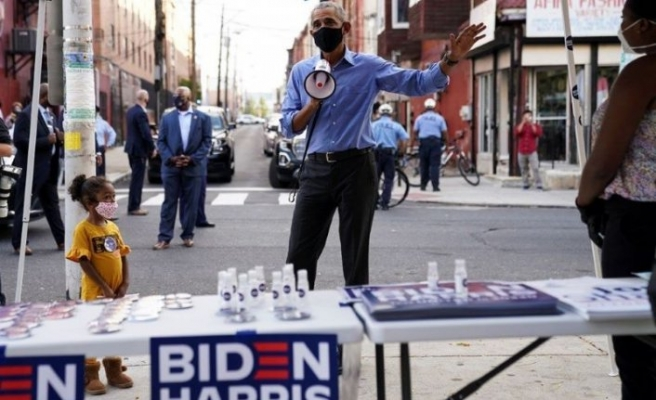 Eski Başkan, megafonla Joe Biden'e oy istedi