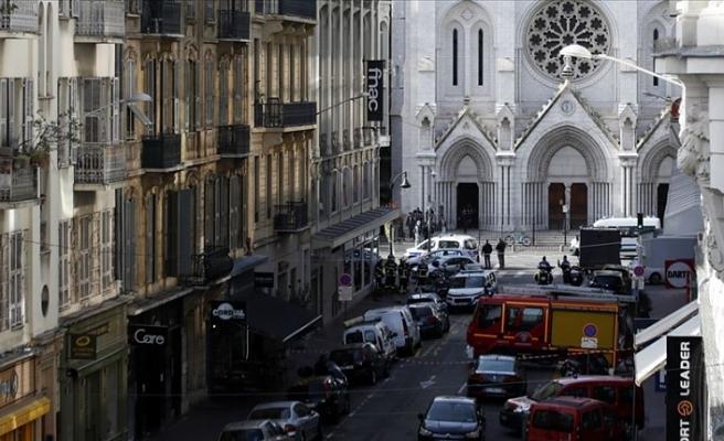 Nice saldırısı sonrası Fransa'da güvenlik önlemleri artırılıyor