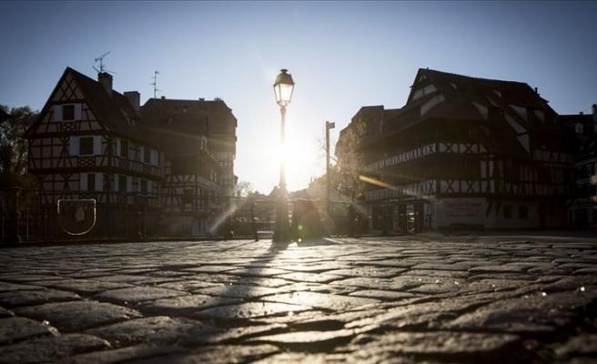 Fransa'da sokağa çıkma yasağı uygulanacak