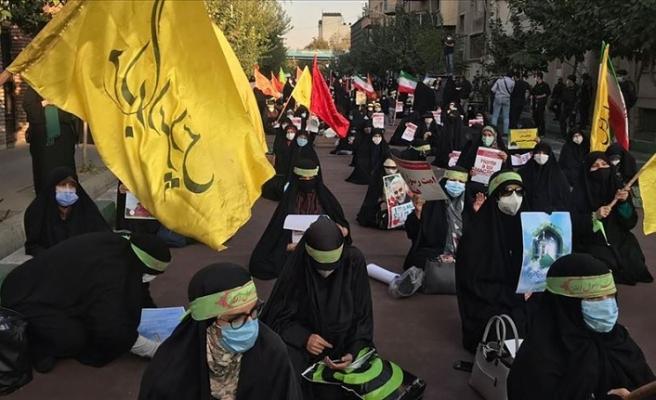 Fransa'nın İslam düşmanlığına İran'da da tepki gösterildi