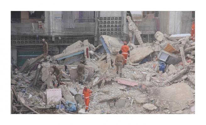 Gana'da 6 katlı kilise çöktü! 18 ölü