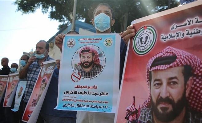Gazzeliler açlık grevindeki Ahres için eylem yaptı