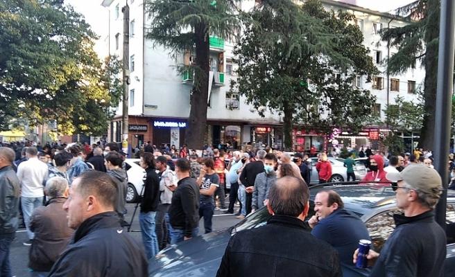 Gürcistan'da banka soygunu girişimi! Rehineler var